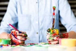Ateliere de pictura pe decoratiuni de Craciun si figurine de ipsos