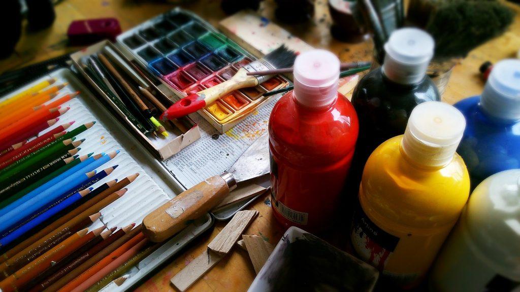 idei pasiuni desenat colorat pictat